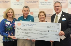 Health System Receiving Donation from Auxiliaries